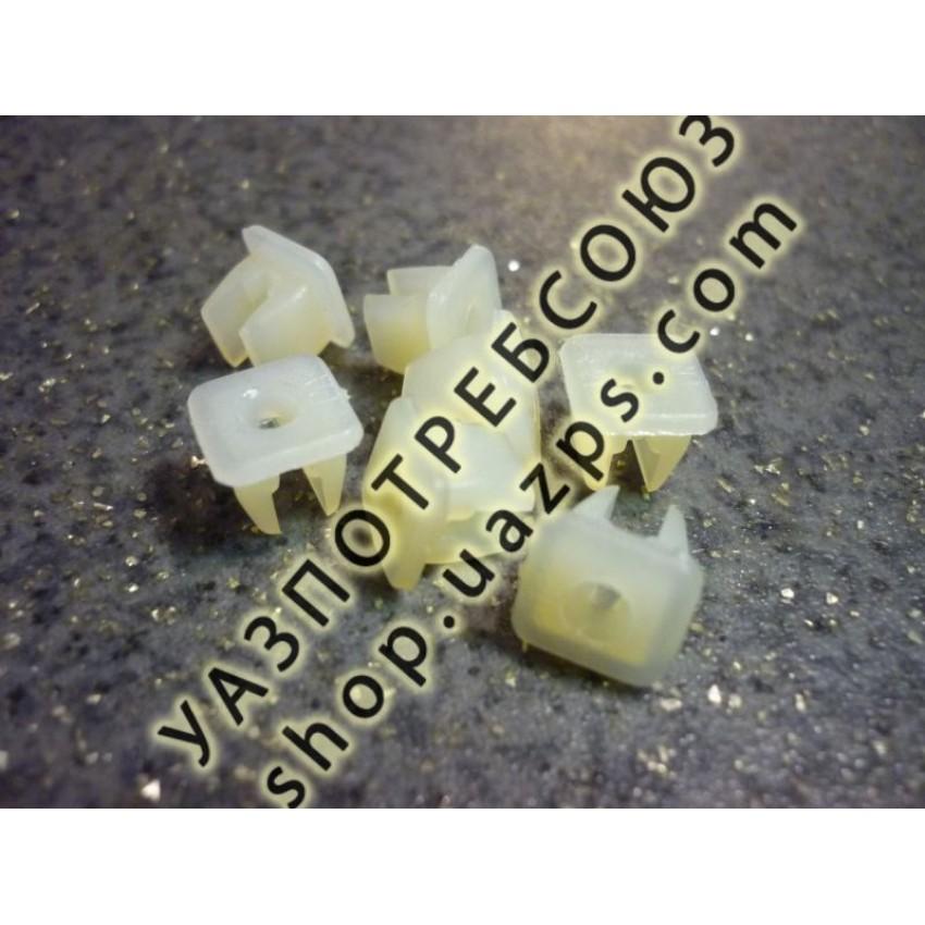 Втулка крепления накладки бампера, подножки, заднего номерного знака УАЗ ПАТРИОТ / 3160-2808020