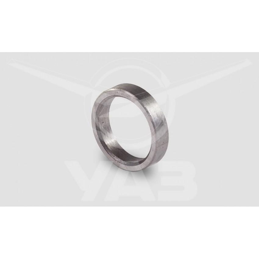 Втулка распорная (кольцо) хвостовика главной пары УАЗ 452, 469 / 3741-2402029